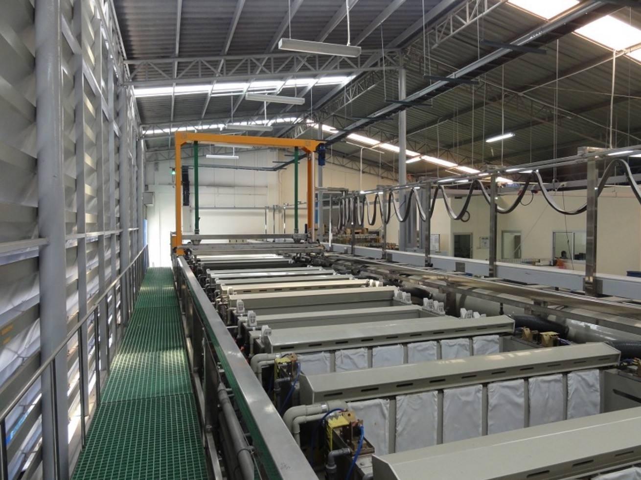 铝氧化生产线